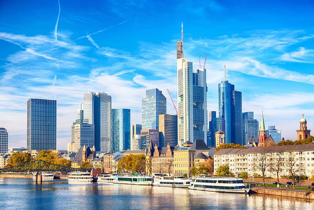 DIV - Deutsche Immobilien Verwaltung GmbH - Fokusstadt Frankfurt am Main Skyline
